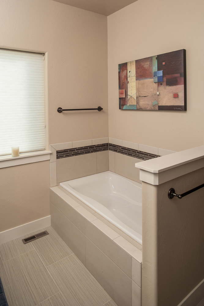 Interior image, Master bathroom detail