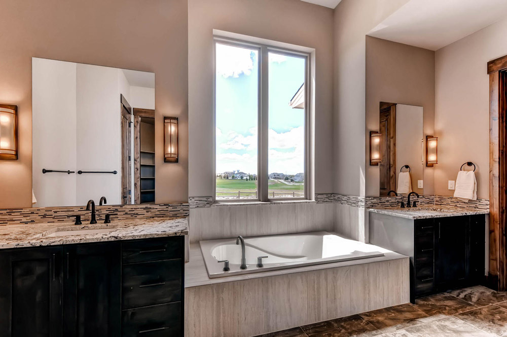 Master bathroom tub and vanities